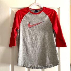 Women's Nike raglan tee